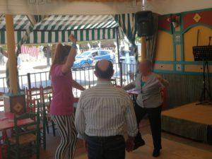 Bailando en el Feria de Abril de Sevilla